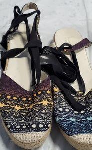 Nicole Miller tie up sandals